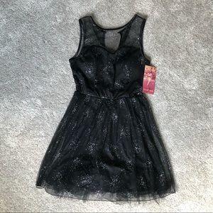 NWT✨ Emerald Sundae Sparkly Black Dress